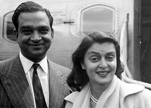 Con su esposo el Maharaja Sawai Man Singh II de Jaipur